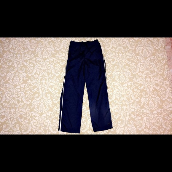 cfc5d357ec3a Nike Athletic Wind Pants (Youth Boys) Navy Blue. M 5ac58dd98290afdd51383921